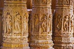 Het snijden details op buitenmuur van de Zontempel Gebouwd in 1026 - ADVERTENTIE 27 tijdens regeert van Bhima I van de Chaulukya- royalty-vrije stock foto