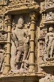Het snijden details op de pijler van de Zontempel Gebouwd in 1026 - ADVERTENTIE 27 tijdens regeert van Bhima I van de Chaulukya-d stock foto's