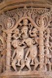 Het snijden details op de pijler van de Zontempel Gebouwd in 1026 - ADVERTENTIE 27 tijdens regeert van Bhima I van de Chaulukya-d stock afbeeldingen