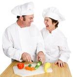 Het snijden omhoog in Keuken Stock Foto's