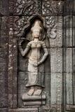 Het snijden van Boedha in Angkor Wat Stock Afbeelding