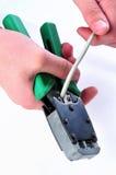 Het snijden van een utpkabel met een netwerkhulpmiddel Stadia van het Proces Royalty-vrije Stock Afbeelding
