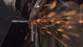Het snijden van Metaalproducten stock videobeelden