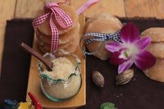 Het snoepje van de palmsuiker van traditioneel voor het koken stock fotografie