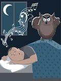 Het snurken mens en geërgerde uil Stock Foto
