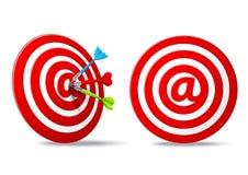 Het sociale media rode doel van het pijltjesdoel Royalty-vrije Stock Afbeeldingen