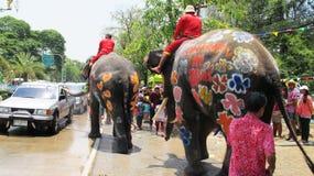 Het Songkranfestival wordt gevierd met olifanten in Ayutthaya Royalty-vrije Stock Afbeeldingen