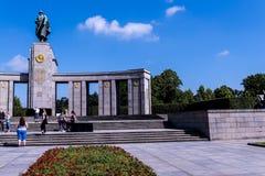 Het Sovjetoorlogsgedenkteken in Tiergarten in Berlin Germany Stock Foto's