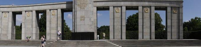Het Sovjetoorlogsgedenkteken in Tiergarten in Berlin Germany Stock Afbeeldingen
