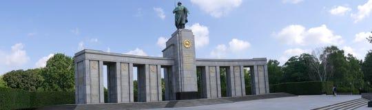 Het Sovjetoorlogsgedenkteken in Tiergarten in Berlin Germany Royalty-vrije Stock Afbeelding