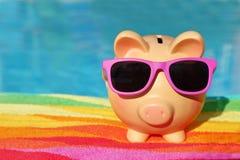 Het spaarvarken van de zomer Stock Foto's