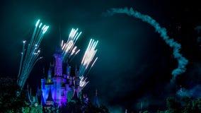 Het spectaculaire vuurwerk van de wensennacht Stock Afbeeldingen