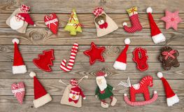 Het speelgoed houten achtergrond van de Kerstmisdecoratie Stock Fotografie