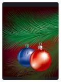 Het speelgoed van Cristmas op pijnboom bransh Stock Fotografie