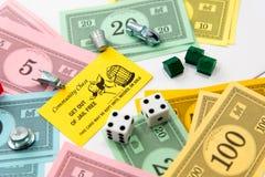 Het spel van de monopolieraad in spel stock afbeeldingen