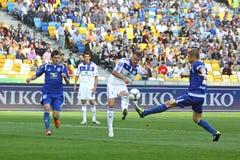 Het spel van de voetbal tussen Dynamo Kyiv en Tavriya Stock Foto's