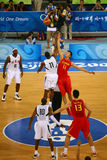Het spel van het basketbal Stock Foto's
