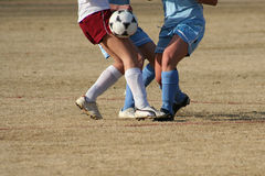 Het Spel van het Voetbal van meisjes Stock Afbeelding
