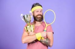 Het spel van het winsttennis Win elke tennisgelijke ik aan deelneem De winstkampioenschap van de tennisspeler Het tennisracket va royalty-vrije stock foto