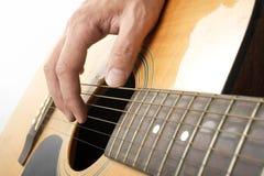 Het spelen akoestische gitaar Royalty-vrije Stock Fotografie