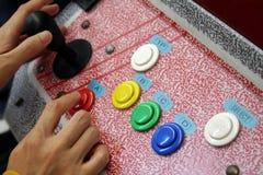 Het spelen arcade Stock Afbeeldingen