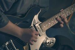 Het spelen elektrische gitaar - 3 Royalty-vrije Stock Foto's
