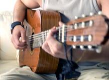 Het spelen gitaar Royalty-vrije Stock Foto