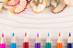 Het spelen met potloden en potloodspaanders Royalty-vrije Stock Foto