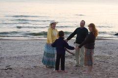 Het spelen op een strand Royalty-vrije Stock Foto