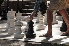Het spelen reuzeschaak in Hyde Park op een de herfstmiddag stock foto