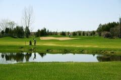 Het spelen van de golfspeler Royalty-vrije Stock Foto's