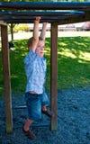 Het spelen van de jongen royalty-vrije stock fotografie