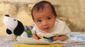 Het Spelen van de Jongen van de baby met Blok Stock Afbeeldingen