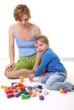 Het spelen van de moeder en van de zoon Royalty-vrije Stock Fotografie
