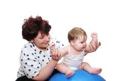 Het spelen van de moeder met baby royalty-vrije stock afbeeldingen