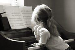 Het spelen van de piano Stock Afbeeldingen