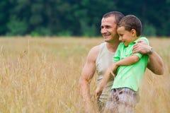 Het spelen van de vader en van de zoon Stock Foto