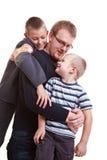 Het spelen van de vader met zijn kinderen Stock Fotografie