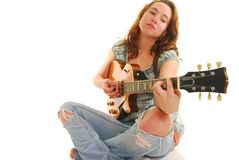 Het spelen van de vrouw gitaar Stock Afbeeldingen