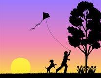 Het Spelen van het kind in de Lente/eps Stock Foto's
