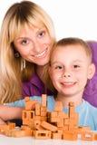 Het spelen van het mamma en van de zoon Royalty-vrije Stock Afbeelding