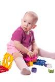 Het spelen van het meisje met stuk speelgoed Royalty-vrije Stock Fotografie