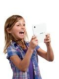 Het spelen van het meisje videospelletje royalty-vrije stock afbeelding