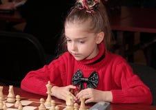 Het spelen van het schaak Stock Foto's