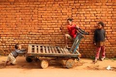 Het spelen van kinderen Stock Foto