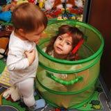 Het spelen van kinderen Royalty-vrije Stock Afbeeldingen