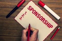 Het Sponsoring van de handschrifttekst Concept die Persoon of bedrijf betekenen die financiële materiële steunhulp Drie markeerst royalty-vrije stock fotografie