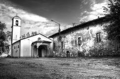 Het spook van de kerk in de stad Stock Foto