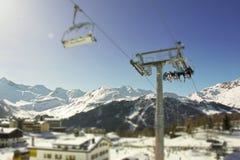 het spoor van de skisneeuw met mensen in Italië Royalty-vrije Stock Fotografie