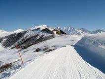 Het spoor van de sneeuw dichtbij Mont Blanc, Savooiekool, Frankrijk Stock Afbeeldingen